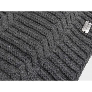 dettaglio sciarpa da uomo a spicchi