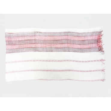 Women's scarf with woven pink stripes open