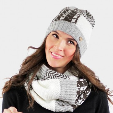 Patchwork hat and scarf  model