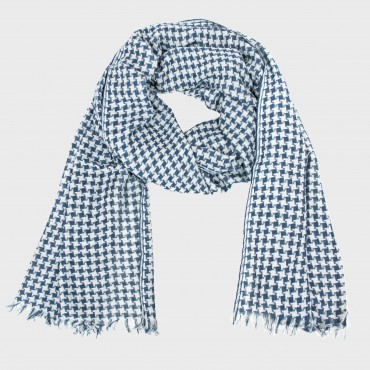 Houndstooth pattern scarf in a gift box
