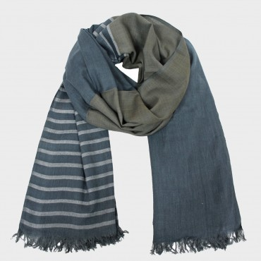 Light casual scarf in gift box