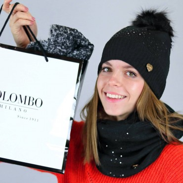 Hat with faux fur pompon and scarf with sequins