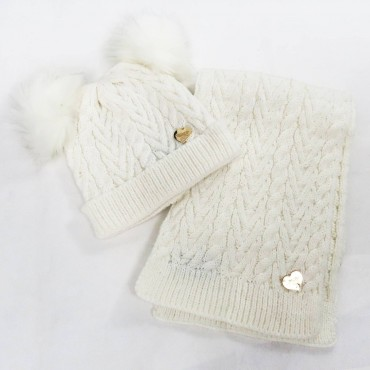 Cable-knit hat and scarf with double pompon - cream