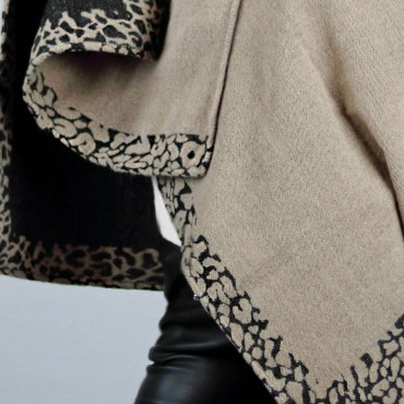Poncho with leopard border - reversible detail