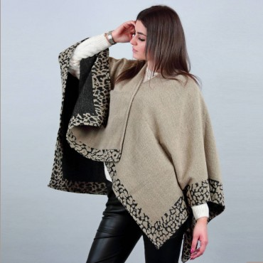 Poncho with leopard border - reversible