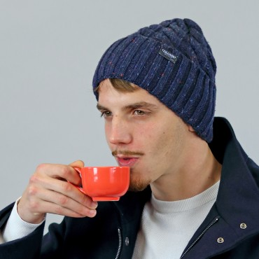 Wool blend Men's hat with knop yarn and braids model