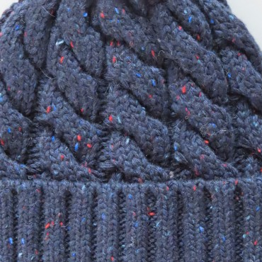 Wool blend Men's hat with knop yarn and braids detail