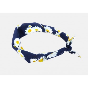 Rolled up - Daisies - cotton bandana with daisies printed on a midnight blue background