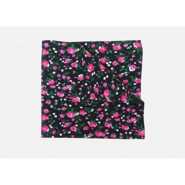 Dettaglio - Roselline - bandana di cotone con roselline stampate su fondo nero