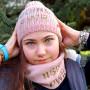 Cappello e sciarpa #GIRLPWR - 7/12a modella