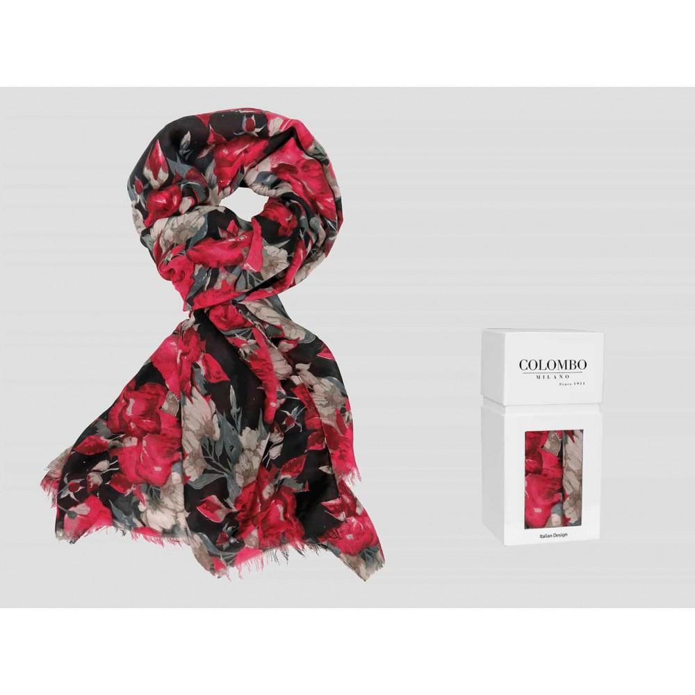 Modello  - sciarpa leggera - pashmina donna con stampe di rose su fondo nero in scatola regalo