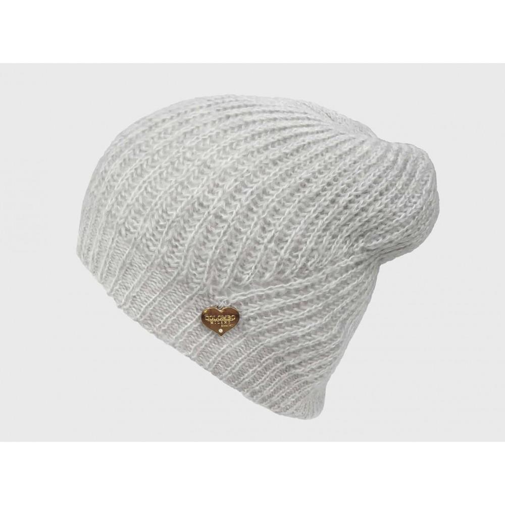 Modello - cappello a costine dai colori delicati finissaggio mohair