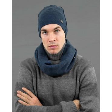 Cappello e sciarpa da uomo con cuciture esterne