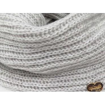 Dettaglio cuoricino - sciarpa ad anello finissaggio mohair colori delicati