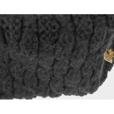 Dettaglio cuoricino - sciarpa ad anello da donna lavorata a maglia