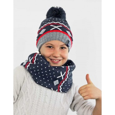 Model - boy's hat and jacquard scarf with pompom and geometric patterns