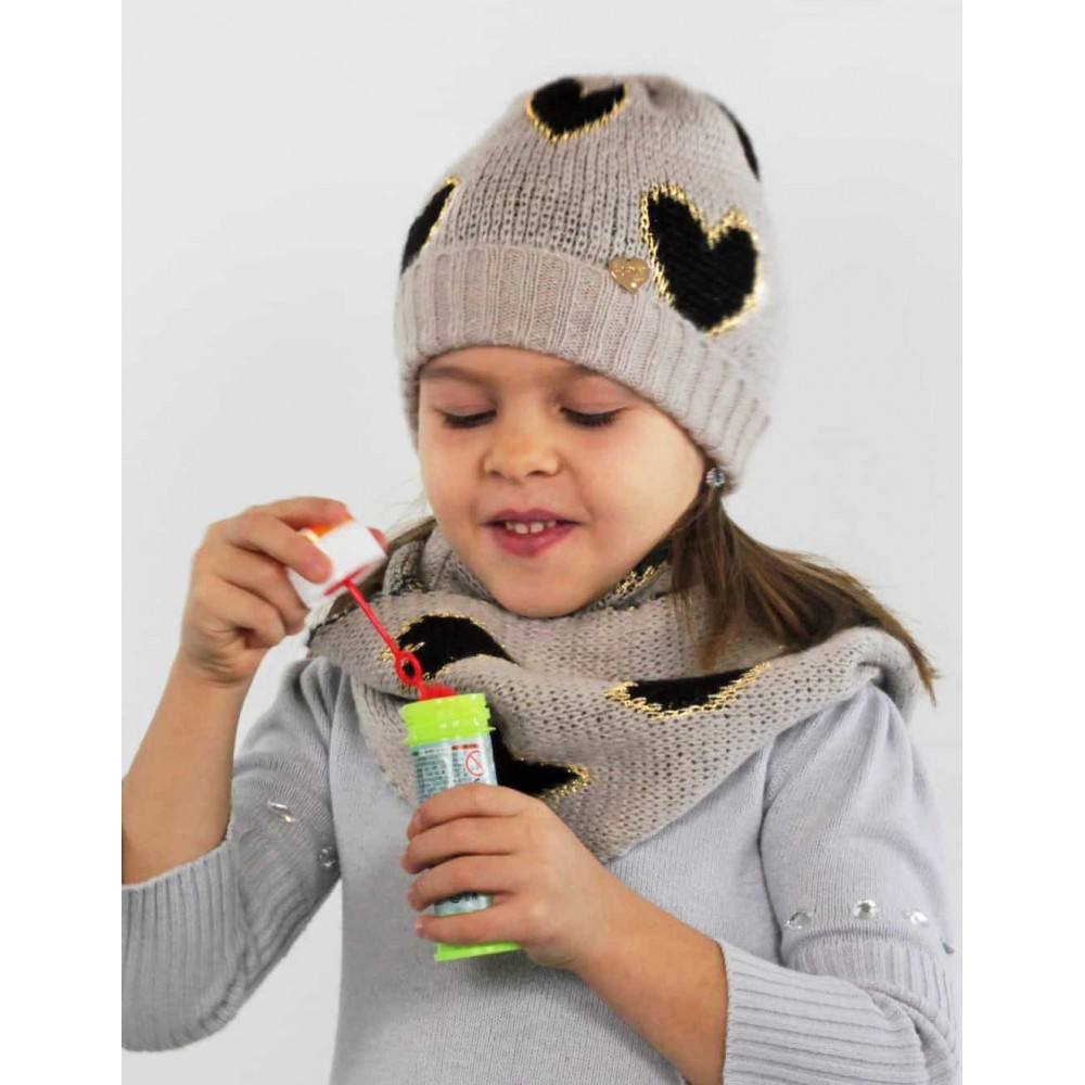 Soft hat and scarf with hearts for a child