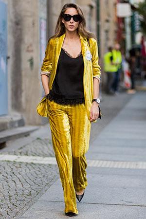 blazer giallo in ufficio per la festa della donna