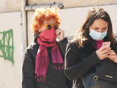 foulard per coprire naso e bocca