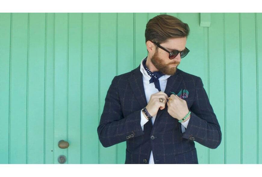 Come indossare e piegare il fazzoletto da taschino?
