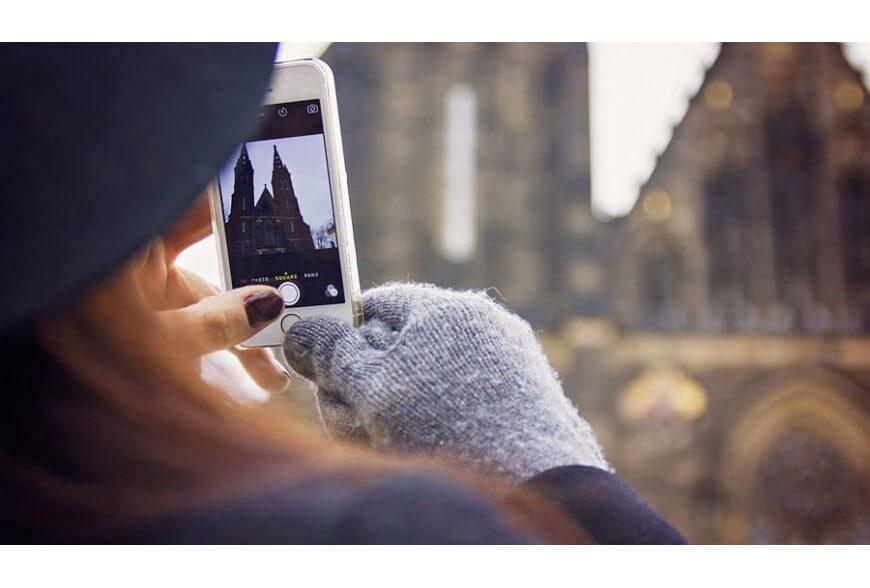 Dipendenza da smartphone? mai più mani gelate con i guanti touch screen!